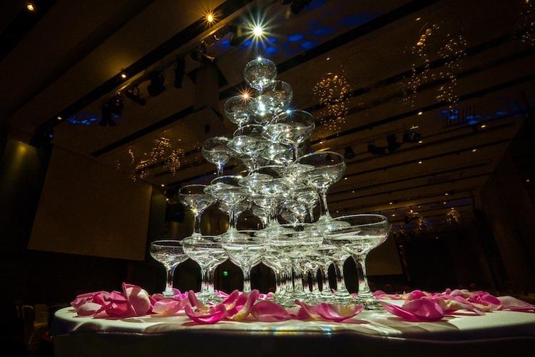 板橋凱薩飯店香檳酒杯塔